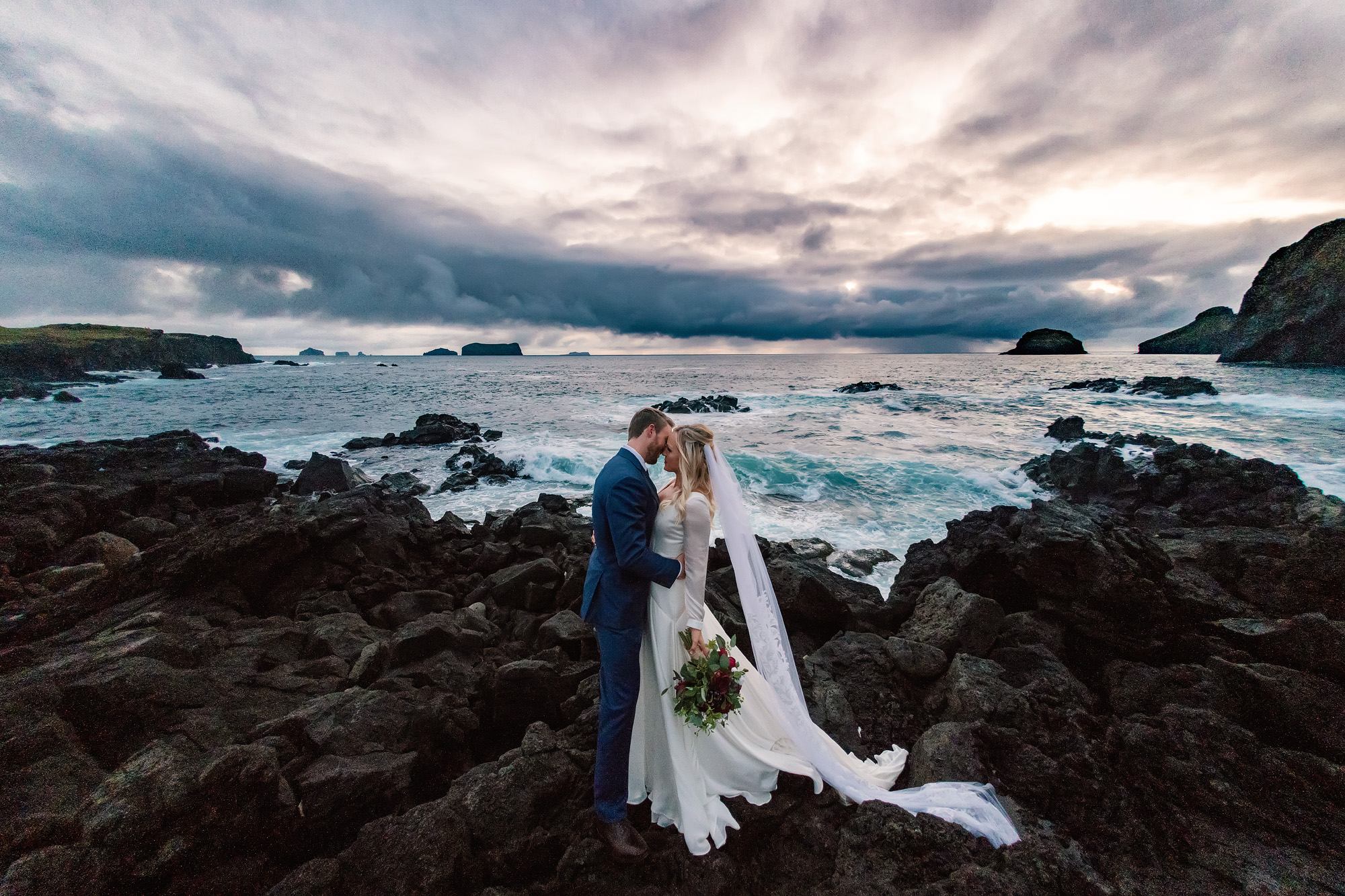 Iceland-destination-wedding-photographer-Rachel-Nielsen