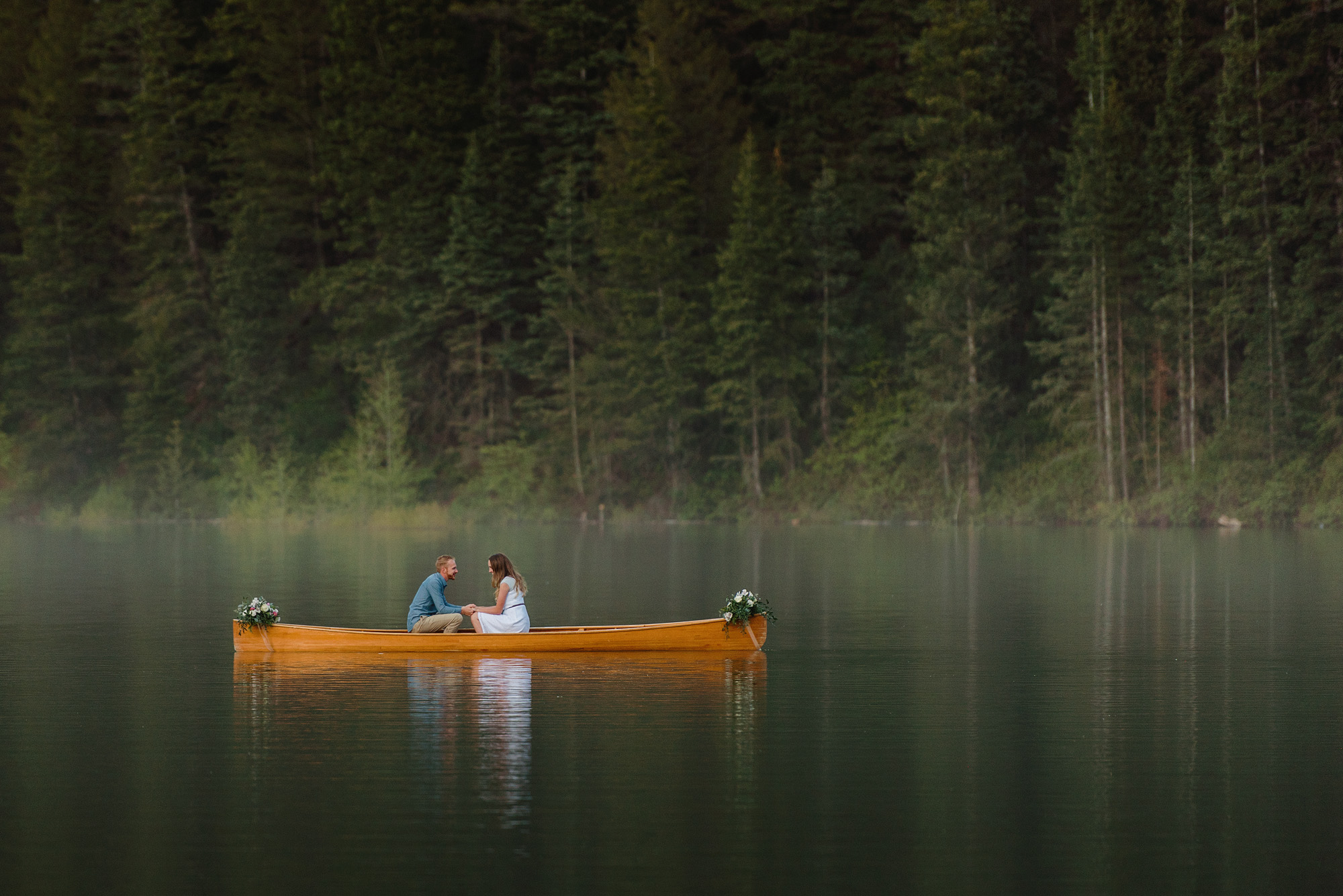 engagement-session-lake-canoe